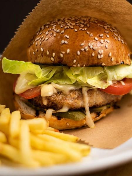 Бургер с курицей заказать в Черноморске с доставкой